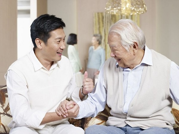 Người tham gia có nhiều quyền lợi khi mua bảo hiểm sức khỏe Bảo Việt cho người già