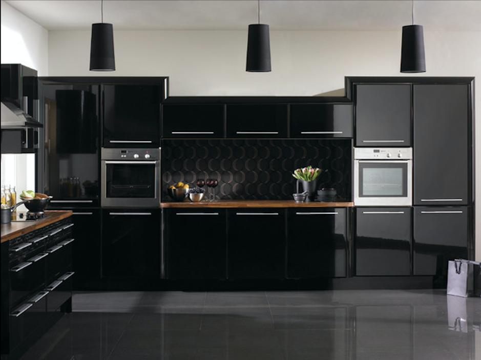 tủ bếo acrylic màu đen