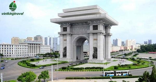 Du lịch đến Khải Hoàn Môn - Triều Tiên cùng Vietkingtravel