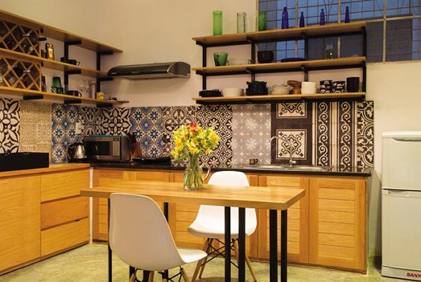 Làm đẹp nhà bếp với chất liệu gạch bông xưa cũ