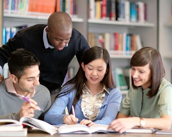 Cần thảo luận với giáo viên hướng dẫn trong suốt quá trình thực hiện đề tài