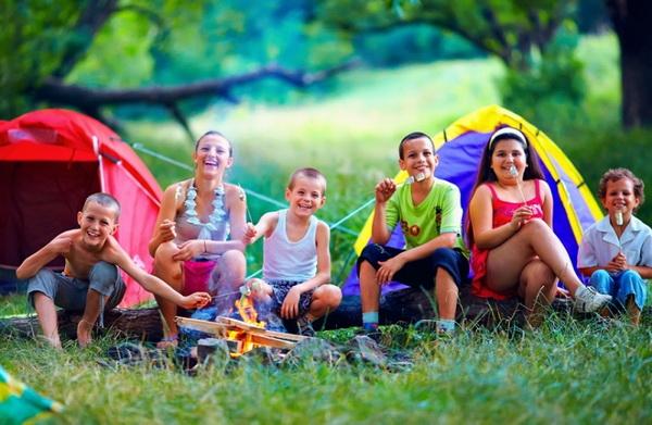 Cắm trại khi tham gia trại hè Quốc tế