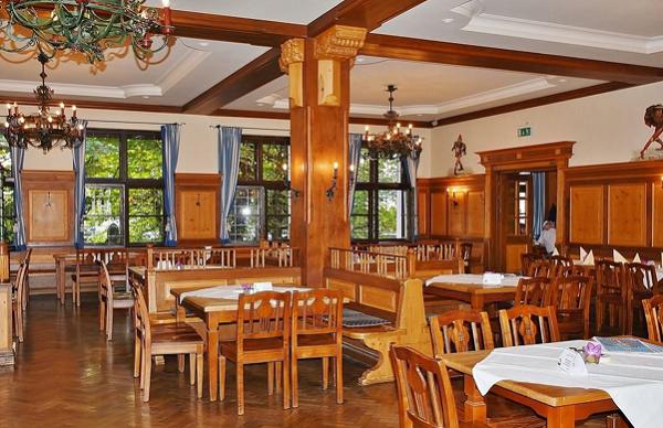 thiết kế thi công nhà hàng tại tphcm