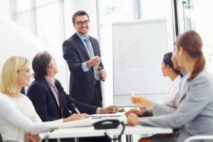 Một nhà quản lý cấp trung giỏi cần phải có kiến thức và tình cảm trong quá trình quản lý