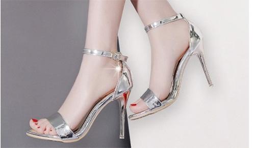 Món quà sang chảnh không lỗi mốt giày cao gót