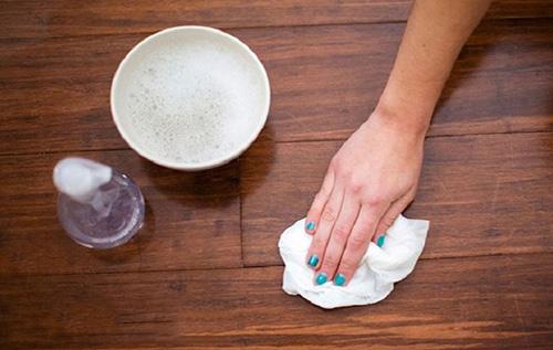 Các mẹo vệ sinh các vết bẩn ở trên sàn nhà