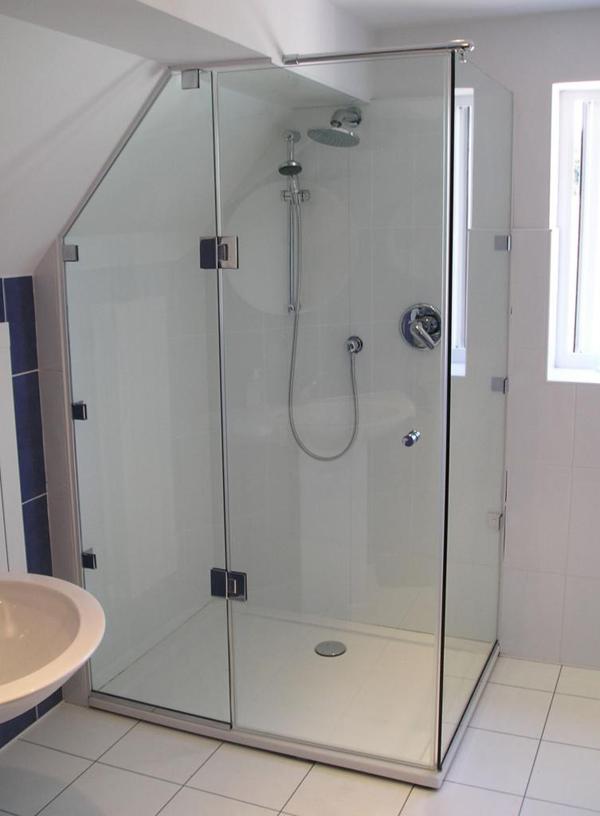 giá vách ngăn phòng tắm