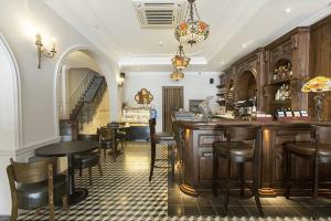 Mẫu thiết kế quầy bar cổ điển