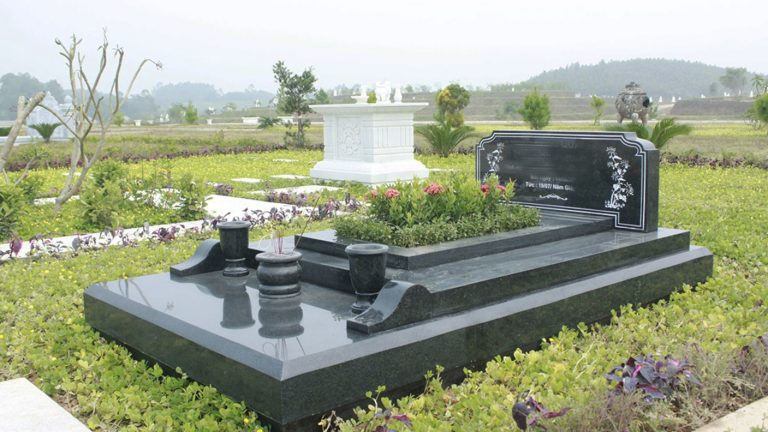 Đặt lăng mộ đá theo hướng hợp với phong thủy