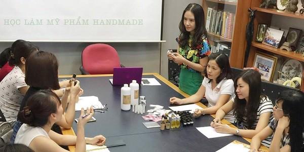 Địa chỉ dạy làm mỹ phẩm handmade tại Hà Nội