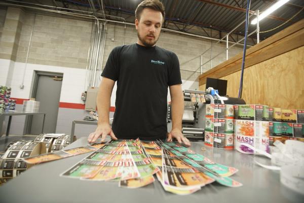Làm cho nhãn của bạn nổi bật thông qua in tem nhãn 7 màu