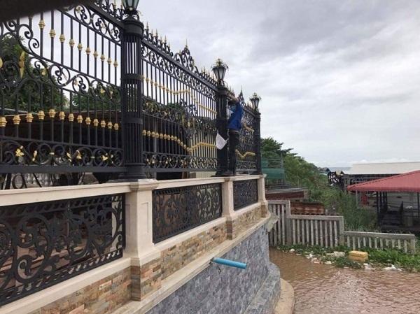 Sắt Mỹ Thuật Minh Phúc cung cấp hàng rào sắt chất lượng