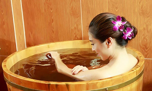 Bồn tắm gỗ thiết kế dạng tròn
