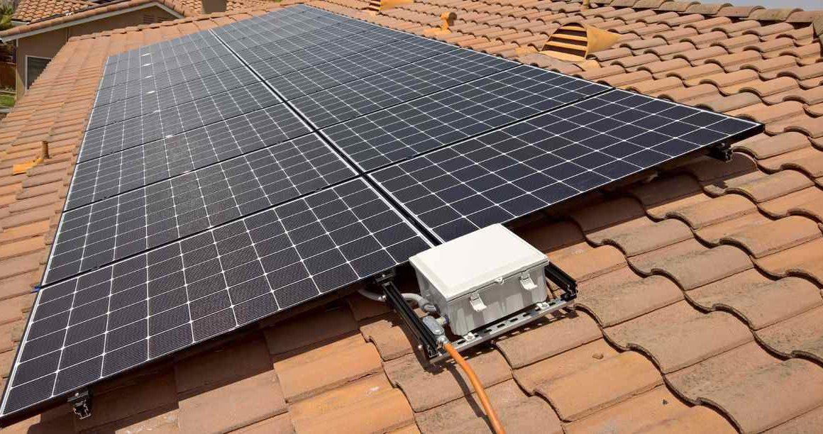 Máy nước nóng năng lượng mặt trời là gì