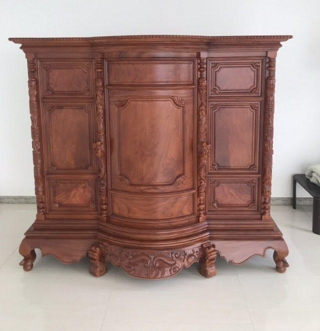 Tủ thờ gỗ chạm khắc tinh tế sang trọng