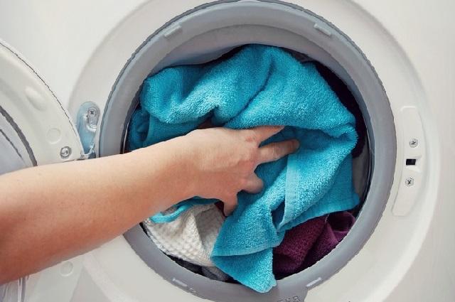 Giặt chăn cần một chiếc máy giặt có khối lượng lớn