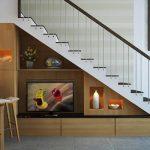 Trang trí cầu thang bằng kính cường lực