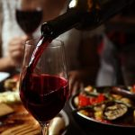 Nên chọn rượu vang Pháp nào?