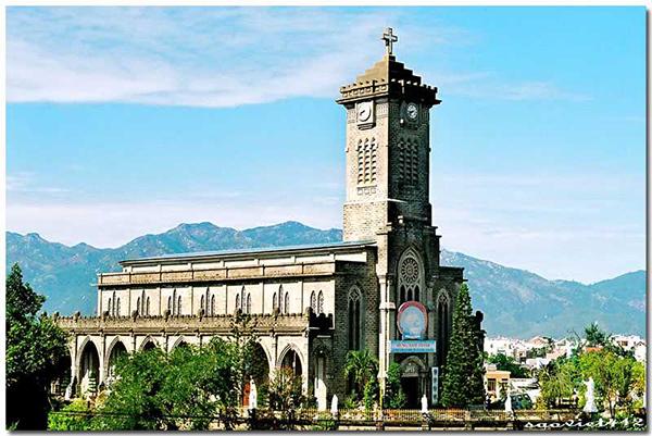 Nhà thờ vua Kitô Vua - địa điểm du lịch Nha Trang