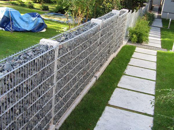 Tường rọ đá