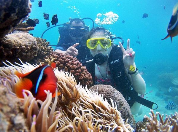 Lặn biển là hoạt động thú vị ở Vịnh San Hô Nha Trang