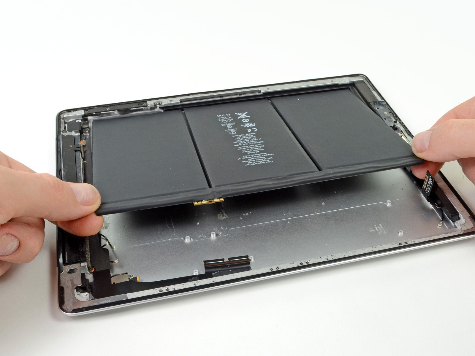 thay pin ipad uy tín