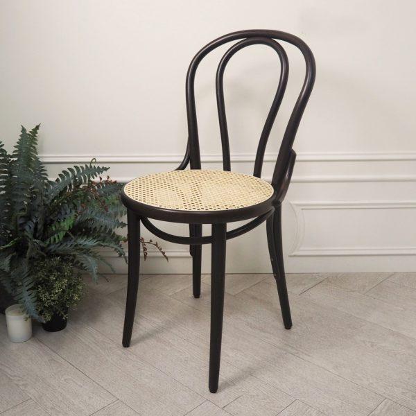 Mẫu ghế gỗ đan mây tinh tế, sang trọng