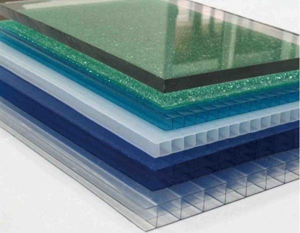 Nhiều ứng dụng thực tế từ tấm polycarbonate đặc ruột 10mm