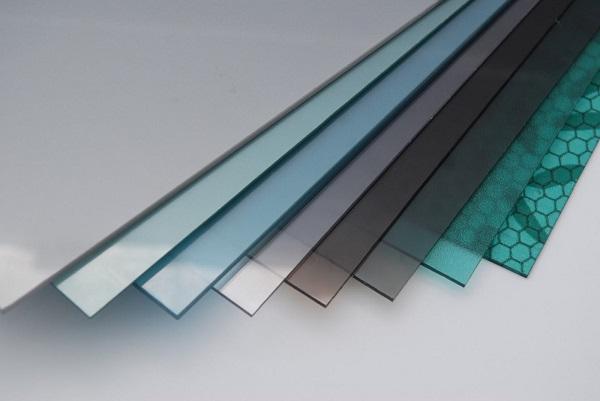 Nhựa Nam Việt chuyên bán tấm polycarbonate đặc ruột 10mm chính hãng