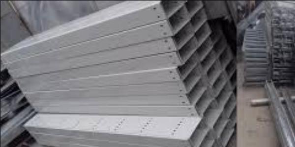 Những yếu tố ảnh hưởng đến giá thang máng cáp sơn tĩnh điện